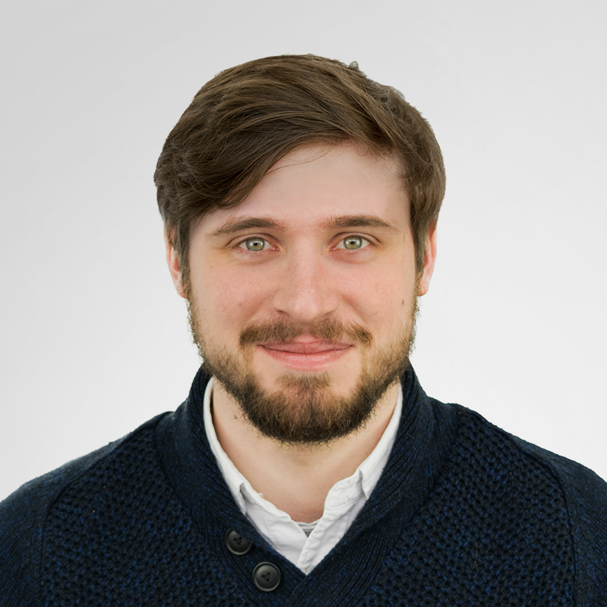 alex-picture-senior-digital-designer
